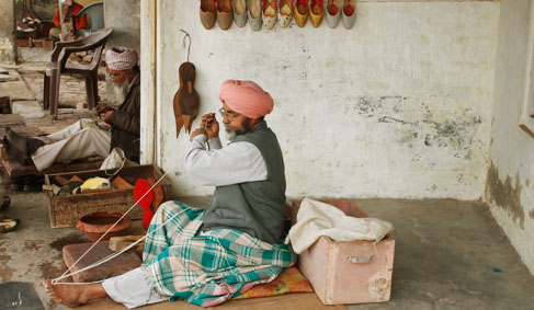 Craft Of Punjabi Juti Making India Gaatha ग थ Handicrafts